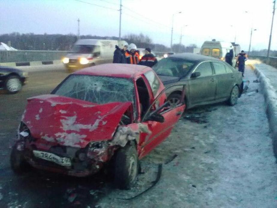 На ул- Невского в течение часа произошло два ДТП- погибла 23-летняя девушка