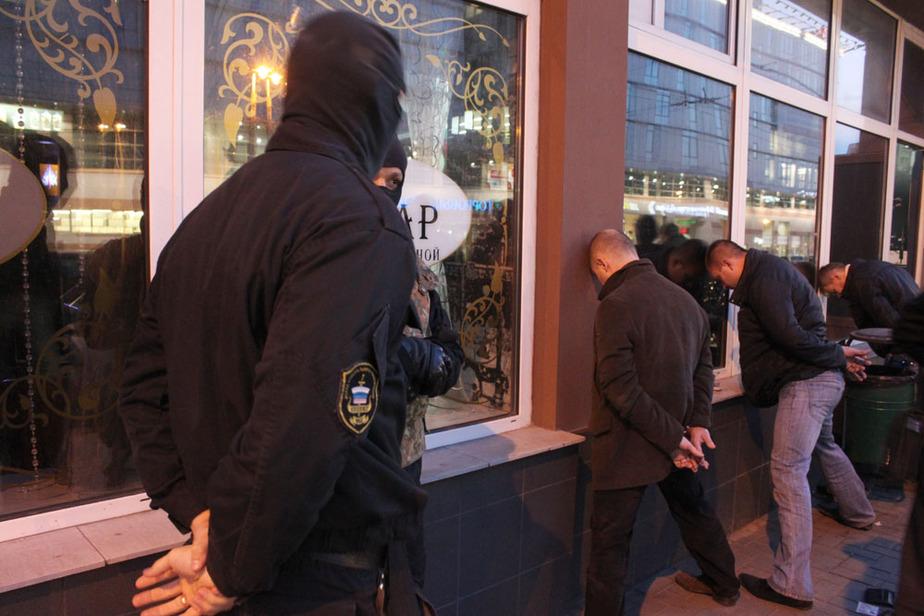 """Маски-шоу в центре Калининграда- полиция задержала членов -""""кредитной-"""" банды"""