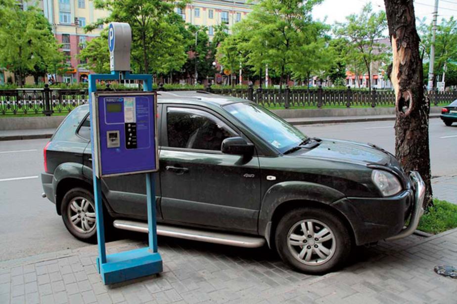 Притротуарные парковки в центре Калининграда планируют сделать платными - Новости Калининграда