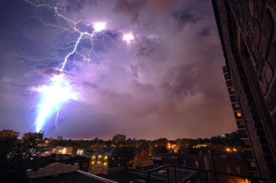 Жители Гусева во время шторма стали свидетелями электрической дуги - Новости Калининграда