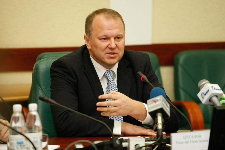 Путин назначил Цуканова и Шувалова ответственными за разработку программы развития янтарной отрасли - Новости Калининграда