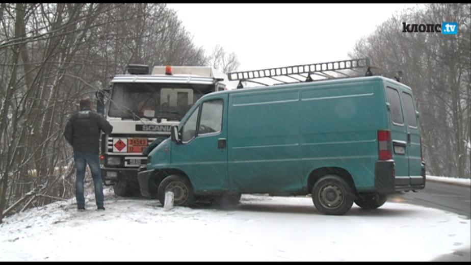 На Большой окружной бензовоз врезался в микроавтобус - Новости Калининграда