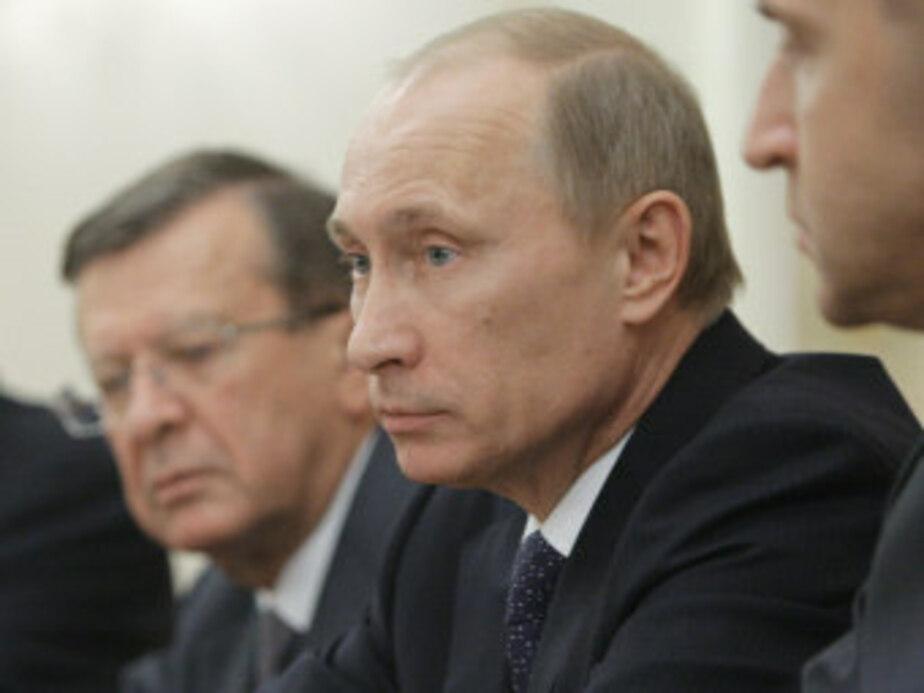 Путин распределил обязанности между вице-премьерами