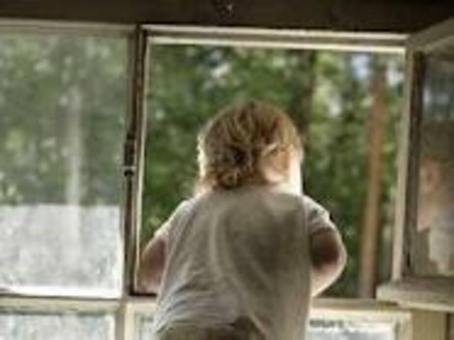 За падение 4-летнего мальчика из окна детсад в Краснознаменске заплатит 500 тыс- руб-
