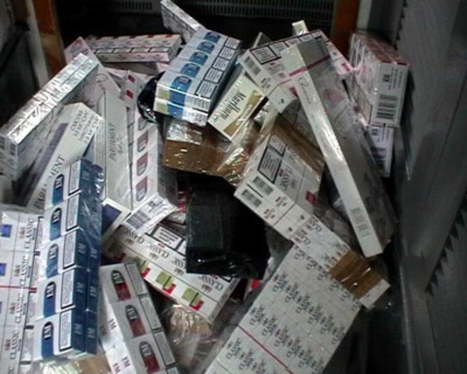 В Калининграде в микроавтобусе нашли 2-5 тыс- блоков сигарет без документов - Новости Калининграда