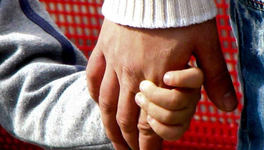 """Горадминистрация- Желающие усыновить ребенка должны пройти обучение в """"Школе приемных родителей"""" - Новости Калининграда"""