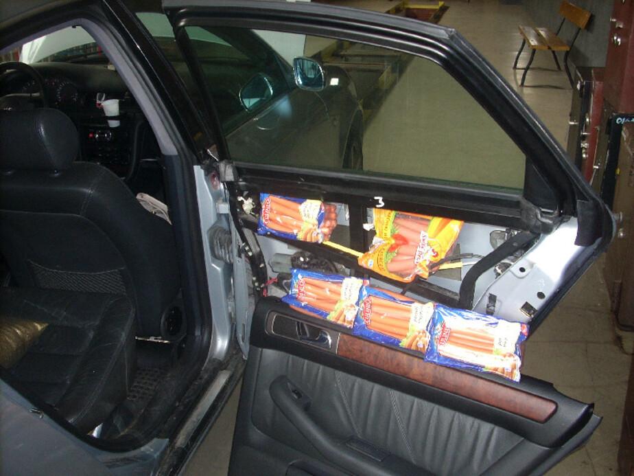 Калининградка пыталась провезти 300 кг польских сосисок и сыра - Новости Калининграда