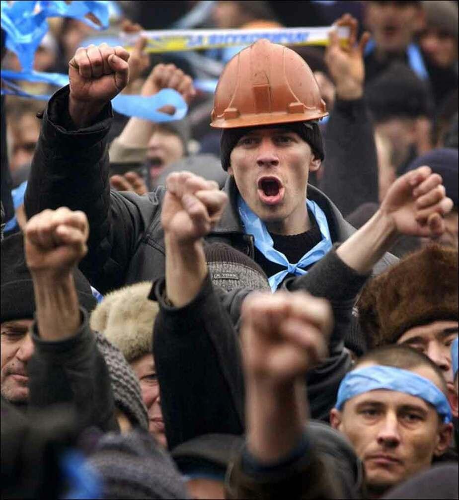 В Черняховске 300 работников завода электротехники объявили забастовку - Новости Калининграда