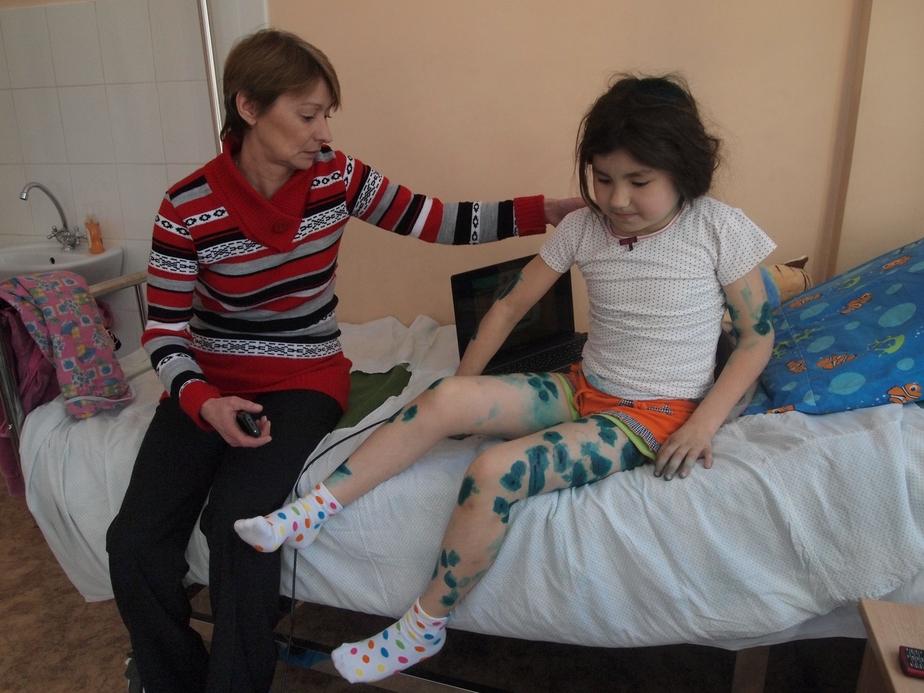 ЧП в Балтийске- 8-летней девочке наложили 25 швов после нападения своры собак - Новости Калининграда