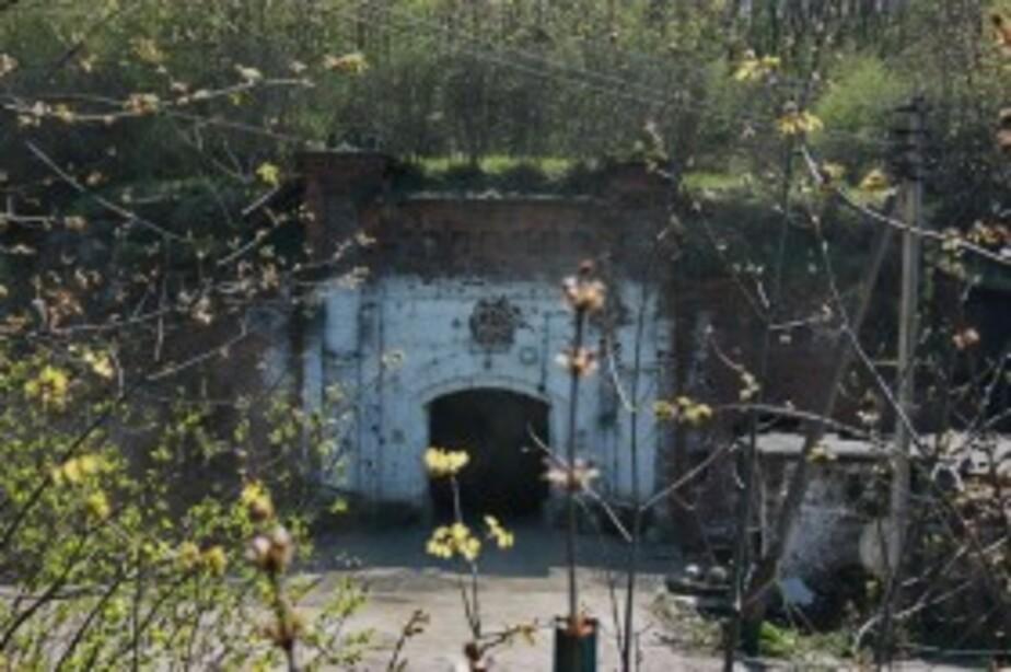 В Калининграде на территории форта -8 нашли обгоревший труп - Новости Калининграда