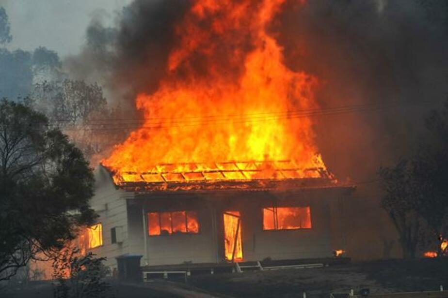 Под Озерском при пожаре погиб 54-летний мужчина