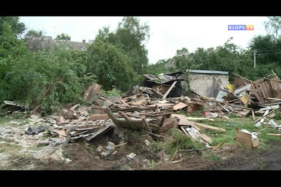 В Светлогорске рабочие начали снос 80 заброшенных сараев - Новости Калининграда