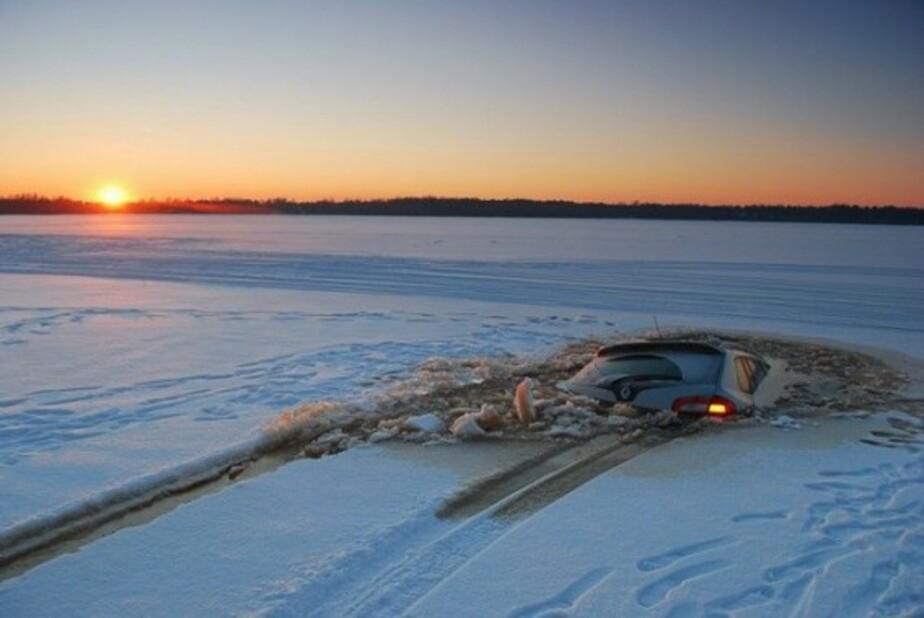 Три машины ушли под лёд - Новости Калининграда