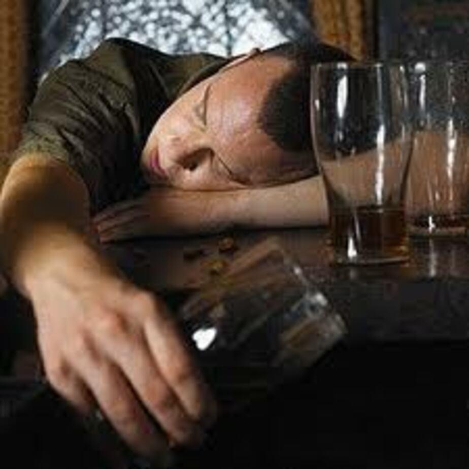 В 2012 году около 900 калининградцев отравились алкоголем - Новости Калининграда