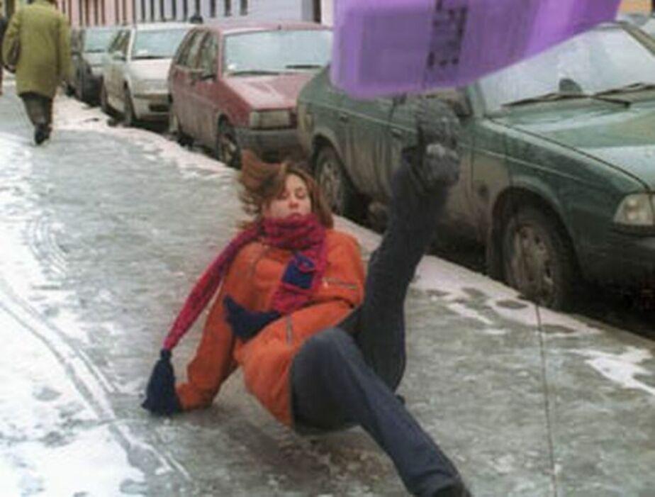 В калининградских травмпунктах готовятся принимать первых жертв гололеда - Новости Калининграда