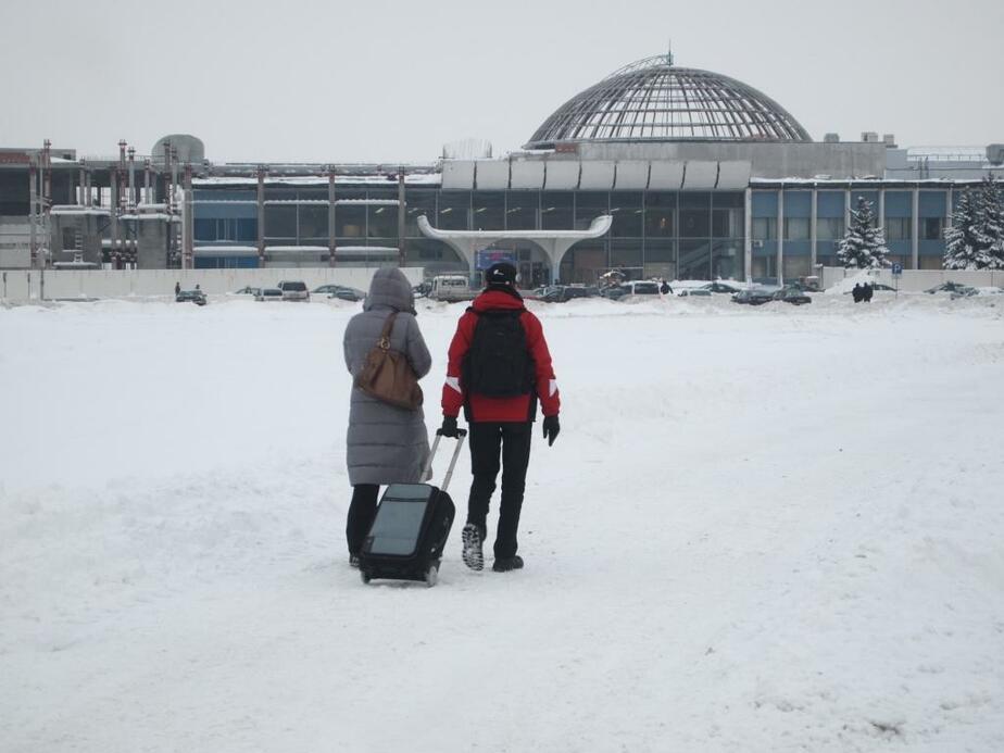 """Из-за снегопада в """"Храброво"""" не прибыл ни один утренний рейс - Новости Калининграда"""