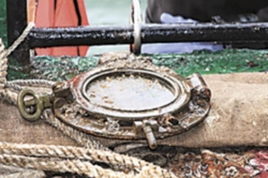 Водолазы обследуют затонувшее судно в районе мыса Таран - Новости Калининграда