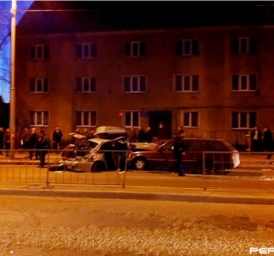 Ограждение-убийцу на ул- Гагарина предложили заменить на бетонный отбойник - Новости Калининграда