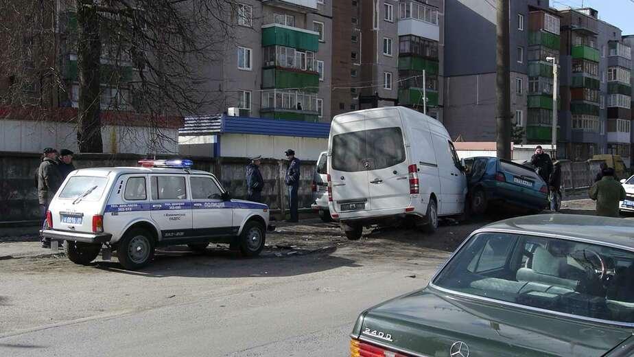 На улице Емельянова столкнулись четыре автомобиля - Новости Калининграда