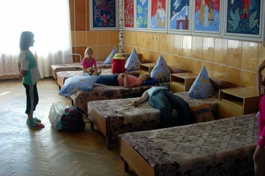 """В Багратионовске бывший воспитанник детдома отбирал у детей """"мобильники"""""""