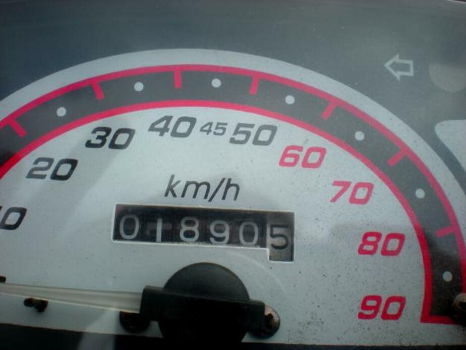 На трассе Зеленоградск-Калининград в отбойник на скорости 90 км/ч - Новости Калининграда