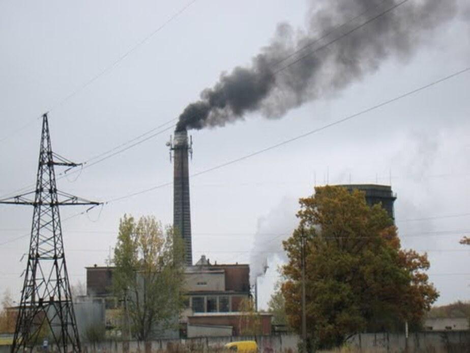 В Гусеве наклонившуюся после урагана трубу ТЭЦ укоротят на 10 метров - Новости Калининграда