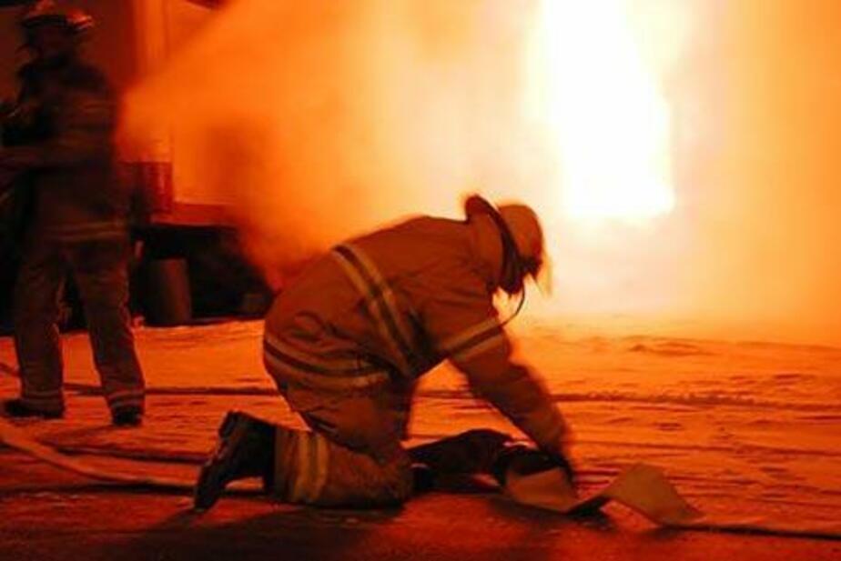 В Калининграде 16 спасателей тушили пожар в детсаду - Новости Калининграда