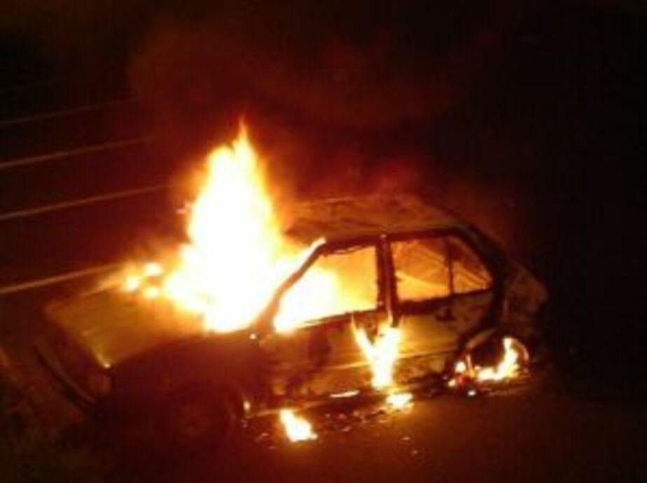 В Калининграде сгорели 2 припаркованных автомобиля - Новости Калининграда