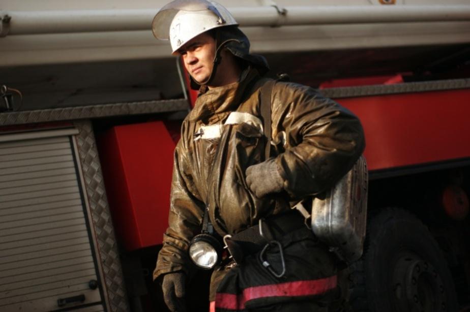 Пожарные эвакуировали 50 человек из-за пожара в доме на ул- Мусоргского - Новости Калининграда