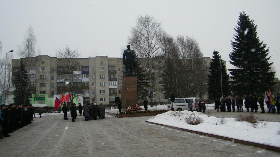 В Черняховске почтили память полководца- в честь которого назван город - Новости Калининграда