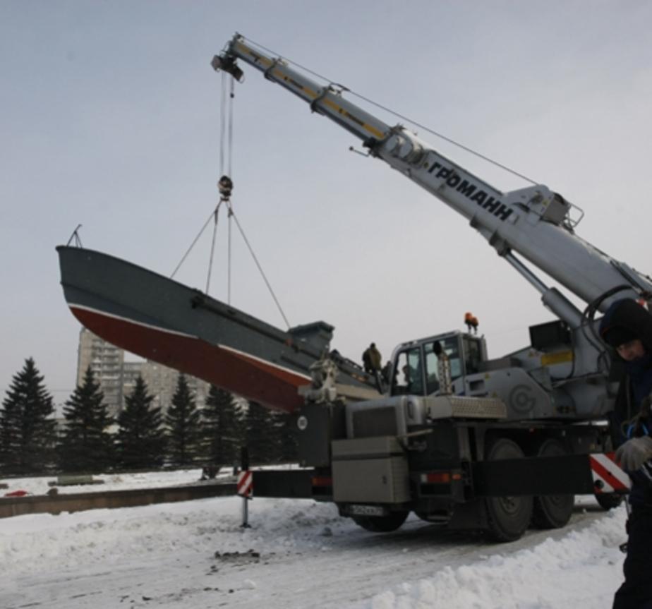 Вандалы повредили отремонтированный памятник морякам-балтийцам - Новости Калининграда