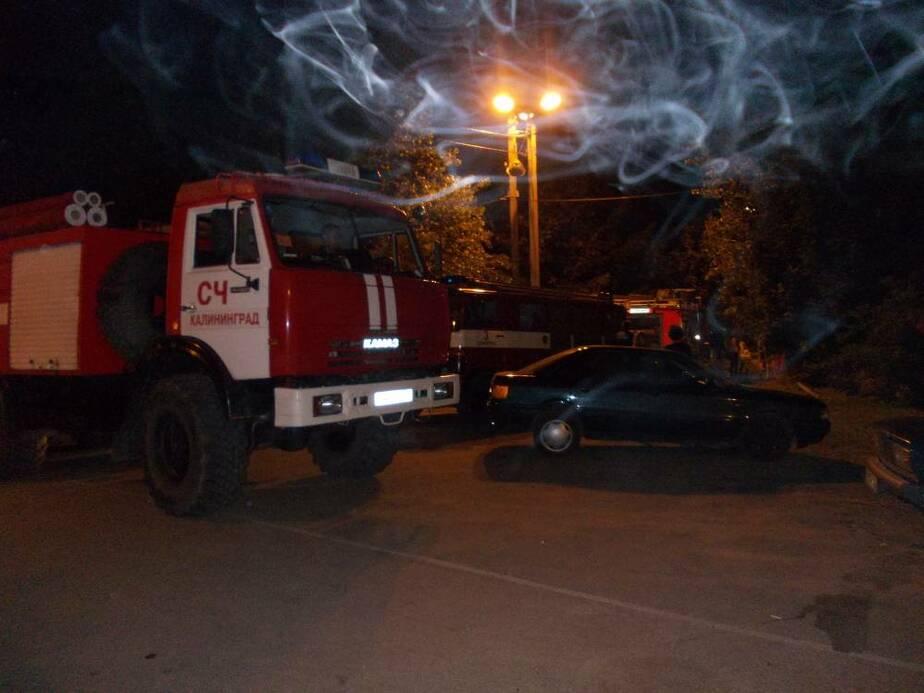 В пос- Прибрежном ночью горел жилой дом- Жильцы выпрыгивали из окон - Новости Калининграда