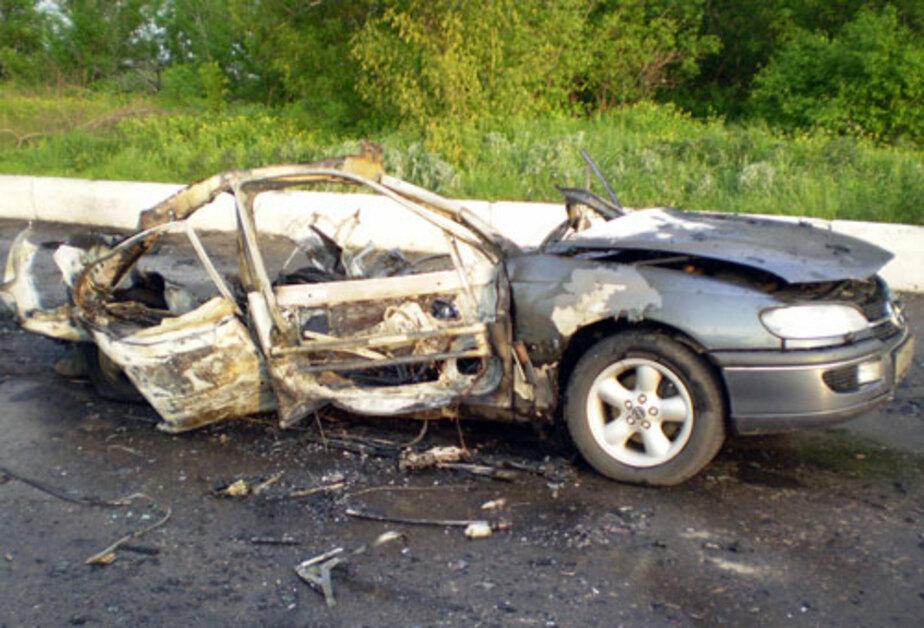 """Полиция нашла возле кладбища в пос- Илюшино сгоревший """"Опель"""""""
