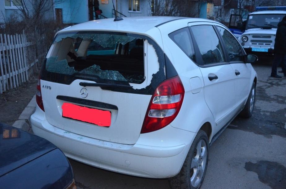 После ссоры с девушкой житель Балтийска повредил два автомобиля - Новости Калининграда