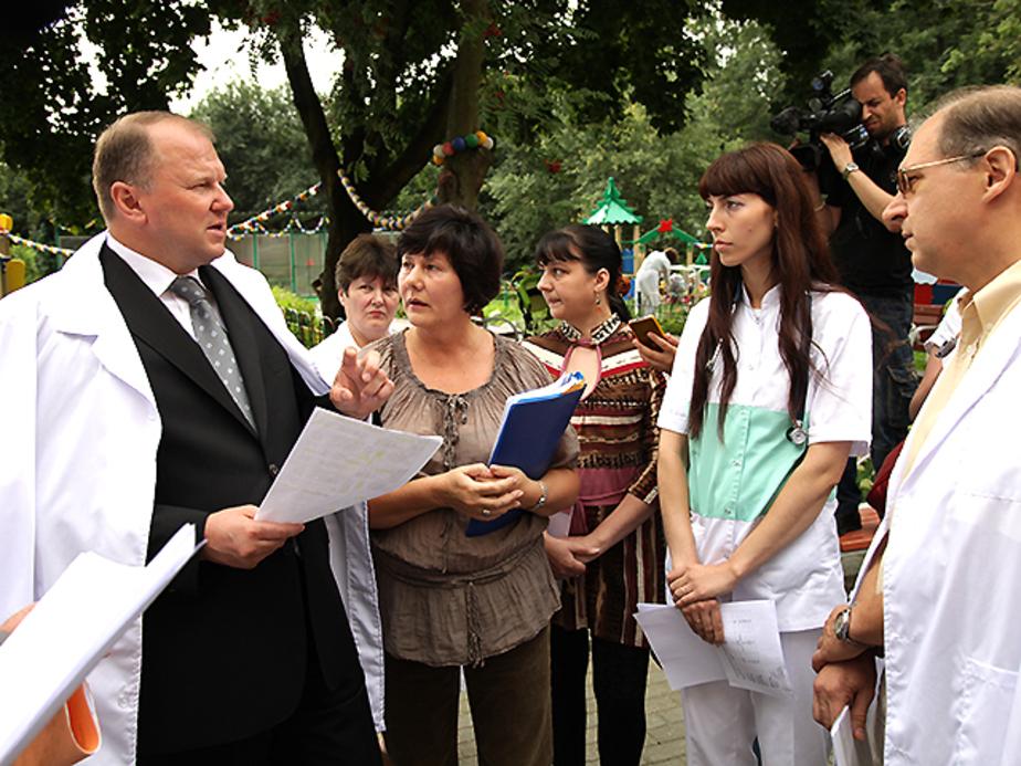 Цуканов поручил в течение 10 дней увеличить зарплату работникам областного Дома ребенка - Новости Калининграда