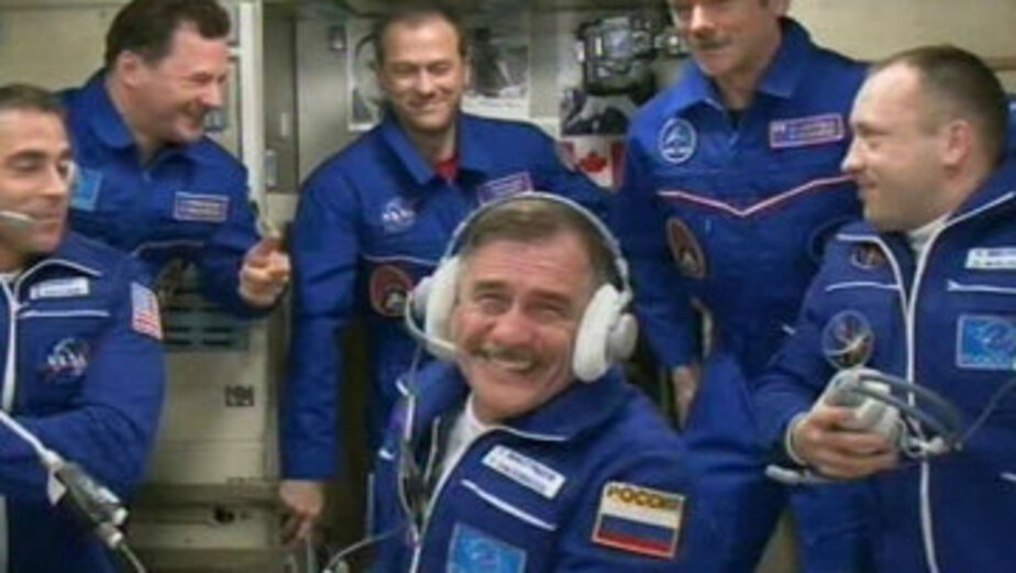 Российские космонавты прямо с орбиты ответили на вопросы калининградских школьников - Новости Калининграда