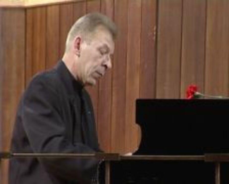 В Калининграде известный пианист из-за коммунальщиков попал в больницу - Новости Калининграда