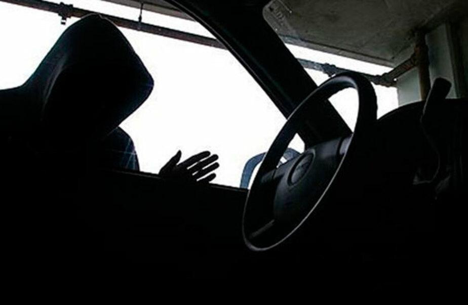 26-летний калининградец похитил автомобильные зеркала на 0-5 млн- - Новости Калининграда