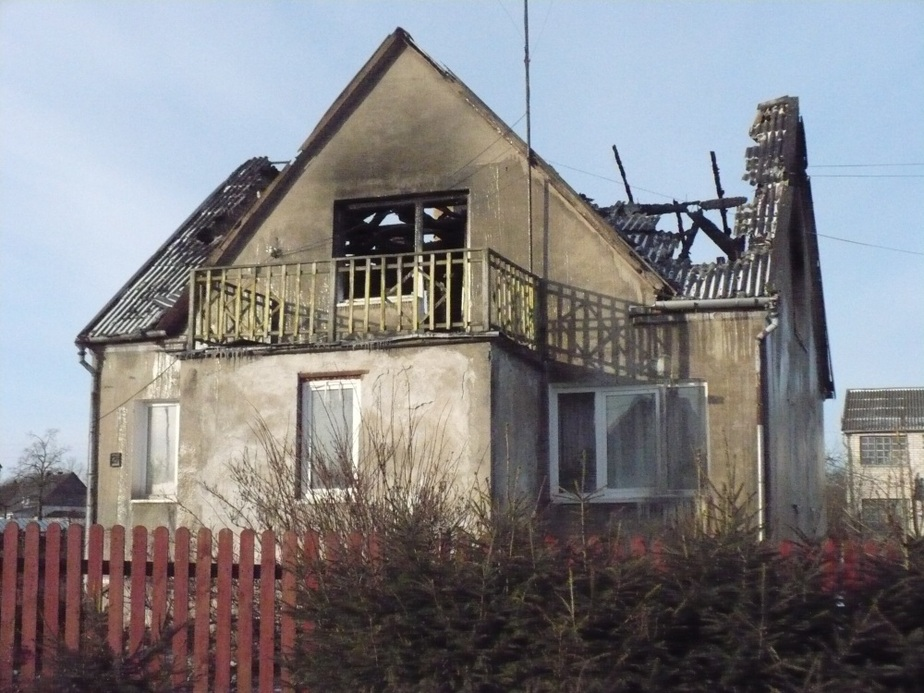 В Советске семья из 7-ми человек осталась без крыши над головой из-за пожара - Новости Калининграда