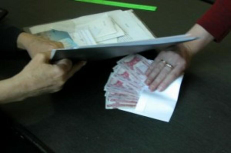 В Советске таможенники попались на взятке - Новости Калининграда