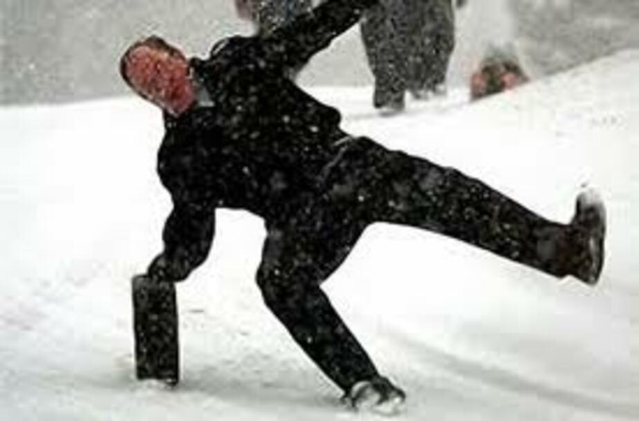 """Хазак- """"Сбои при уборке первого снега в Калининграде- конечно- были"""" - Новости Калининграда"""