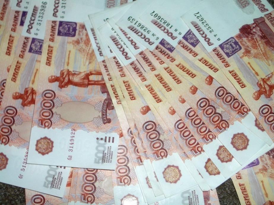 В Черняховске менеджер не довез до работы 13 тысяч - Новости Калининграда