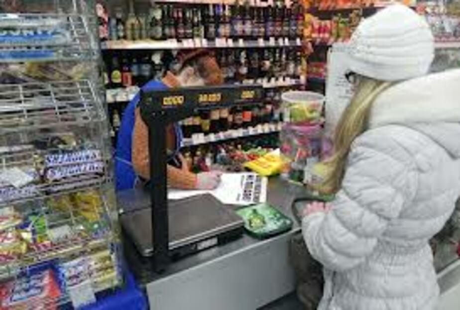 В Светлом продавщицу оштрафовали за продажу алкоголя девочке - Новости Калининграда