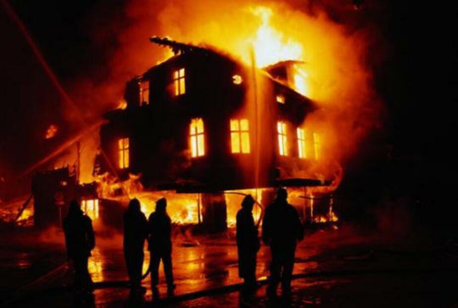При пожаре в Ладушкине пострадал 74-летний мужчина - Новости Калининграда