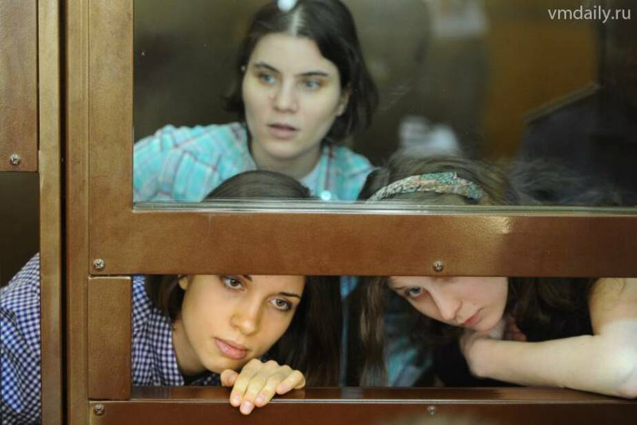 Участниц Pussy Riot приговорили к двум годам колонии - Новости Калининграда