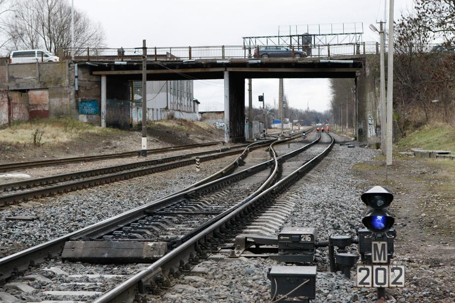 ГИБДД выступила против закрытия моста на Аллее Смелых для автобусов