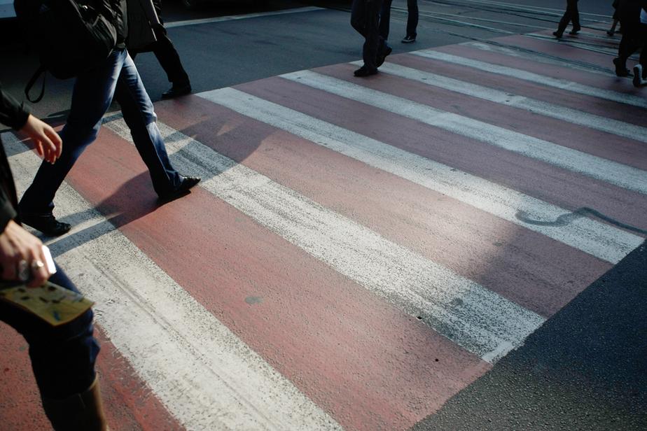 В Калининграде пешеходные переходы покрасят в разные цвета
