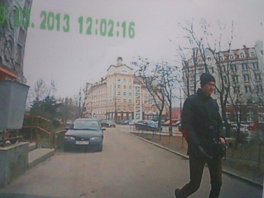 В Калининграде неизвестный отверткой поцарапал шесть машин - Новости Калининграда