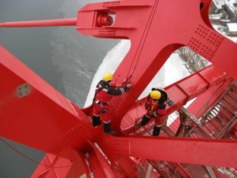 Житель Гурьевска украл 20 тонн металлоконструкций с моста