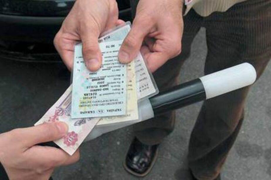 На Моспроспекте задержали пьяного водителя БМВ с поддельными правами - Новости Калининграда